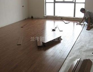 兰考安装地板施工现场